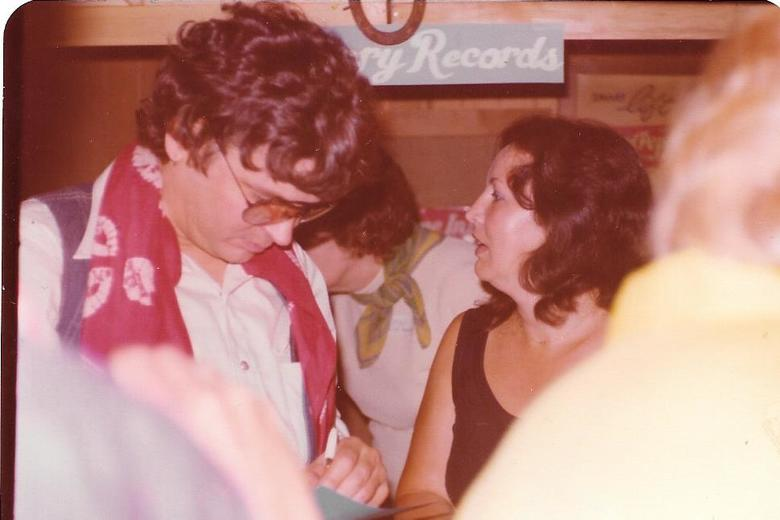 PEGGY LAMB AND DON ACUFF-ROSE/HICKORY RECORDS BOOTH 1977